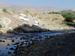 توقیف ماشین های تخلیه نخاله در حریم و بستر رودخانه های سنندج