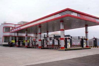 توزیع روزانه 3 میلیون و ۶۰۰ هزار لیتر سوخت یورو ۴ در استان مرکزی