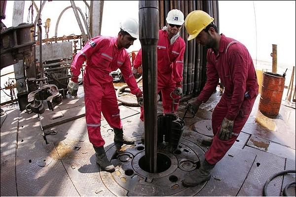 کشف 40 میلیارد ریال تجهیزات چاه های نفت قاچاق در اهواز