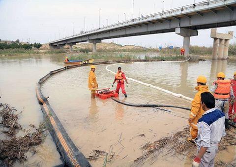 برگزاری رزمایش مقابله با نشت خطوط لوله نفت وگاز