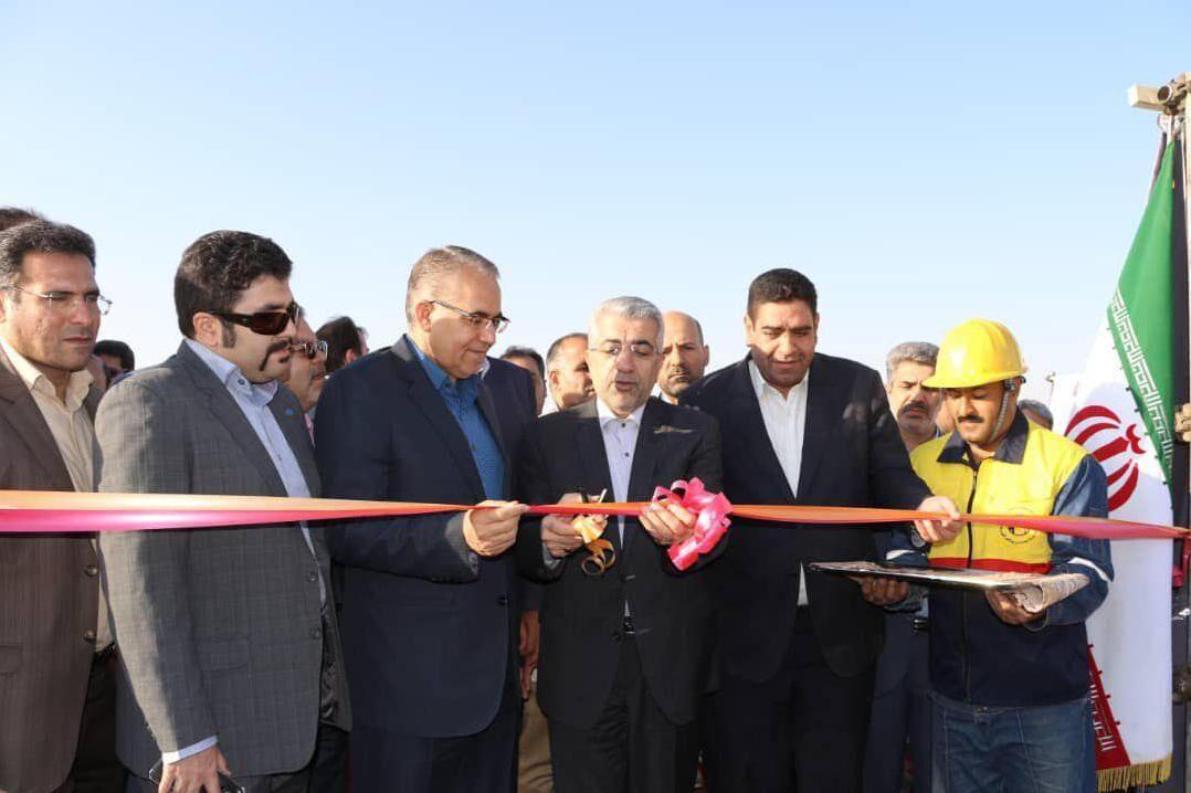 نیروگاه خورشیدی ۷ مگاواتی با حضور وزیر نیرو در ابهر افتتاح شد