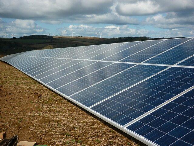 راهاندازی بزرگترین خط تولید پنلهای خورشیدی در کشور