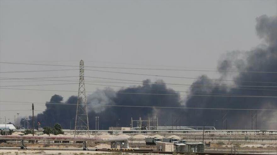 عربستان انتقال نفت به بحرین را متوقف کرد
