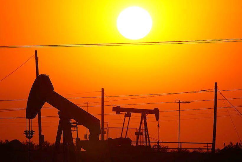 بهای نفت در بازارهای جهانی افزایش یافت
