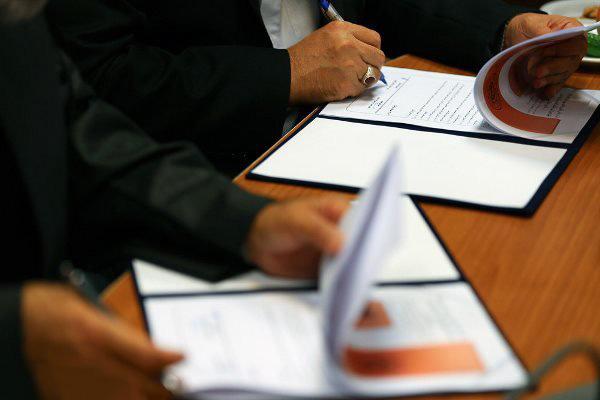 امضای تفاهمنامه تامین مالی دوگانه سوز کردن خودروهای عمومی
