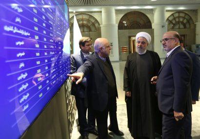 روحانی از نمایشگاه دستاوردهای صنعت پتروشیمی کشور بازدید کرد