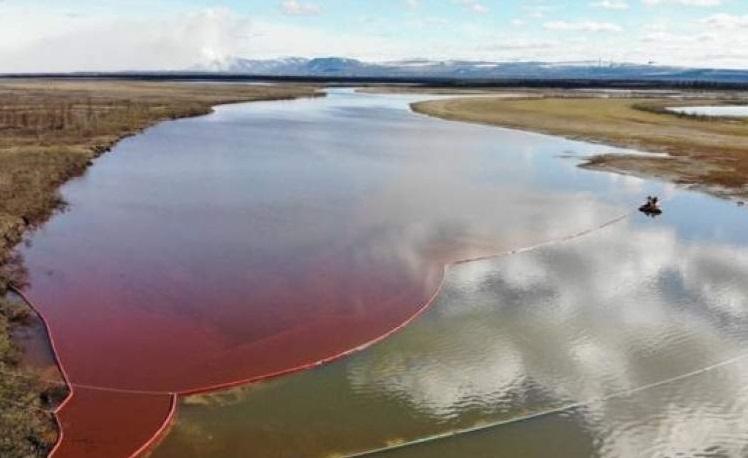 نشت شدید نفت در سیبری و هشدار گروه های محیط زیست