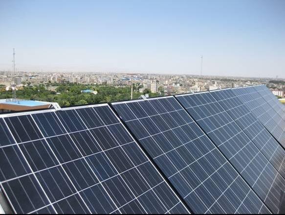 احداث 190 نیروگاه خورشیدی تا پایان سال 99 در مشهد