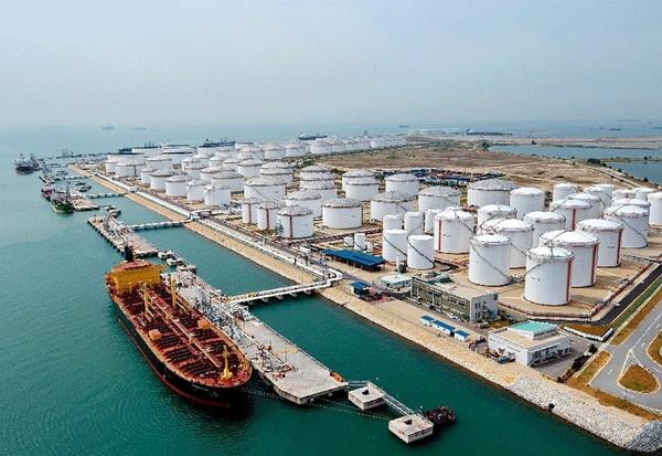 ازدحام در پایانههای نفتی چین