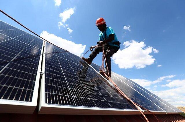 زیر و رو شدن نیروگاه های خورشیدی پشت بامی با کرونا