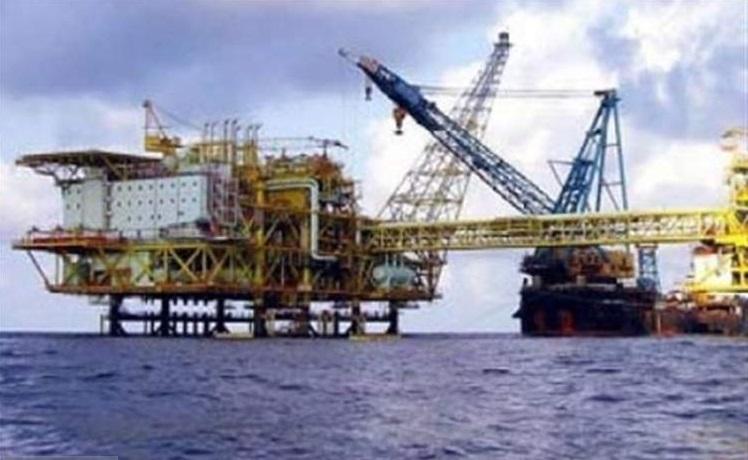 کاهش سرمایهگذاری در بخش نفت و گاز جهان
