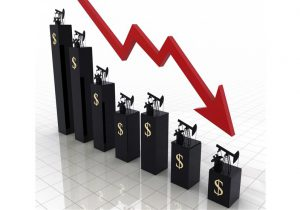 کاهش قیمت نفت به علت افزایش نگرانیها از مازاد عرضه