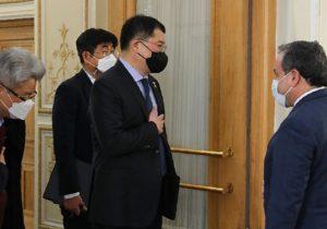 در جلسه عراقچی و کره ای ها چه گذشت؟ایران نفت کش کره ای را پس میدهد؟