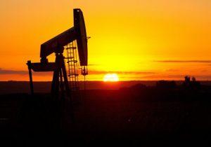 عوامل غیبی نمیگذارند تولید نفت بالا برود