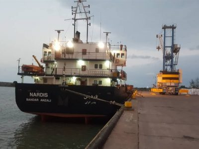 پهلوگیری ۱۱۰۰ فروند شناور در بندر  نفتی خلیج فارس