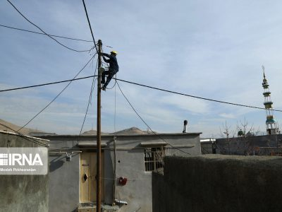 برق رسانی روستاهایکرمان پس از انقلاب رشد ۳۵ برابری دارد