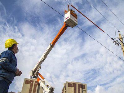 تبدیل ۱۳۰ کیلومتر شبکه سیمی برق قروه به کابل خودنگهدار