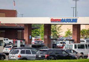 خرید سراسیمه باعث کمبود و افزایش قیمت بنزین در آمریکا شده است