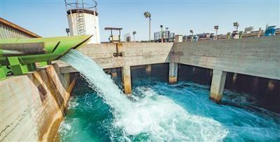 با انتقال آب خلیجفارس به اصفهان، برداشت صنایع از زایندهرود به صفر میرسد