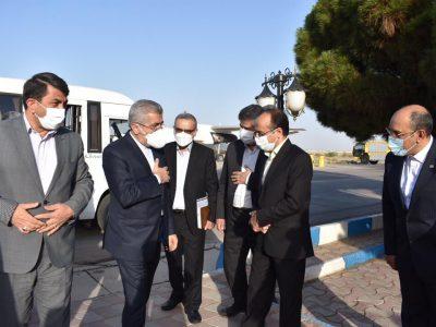 وزیر نیرو برای افتتاح ۱۵ طرح صنعت آب و برق وارد یزد شد