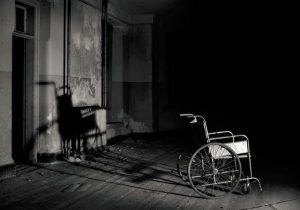 چند روایت تلخ از زندگی معلولان در دوران قطعی برق
