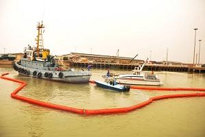 پاکسازی آلودگی نفتی ایجاد شده در سطح آبراه اروند