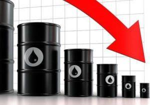 افت قیمت نفت در پی نگرانی از افزایش تقاضای سوخت