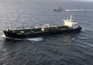 واکنش ناوگروه نیروی دریایی ارتش به هجوم دزدان دریایی به نفتکش ایرانی